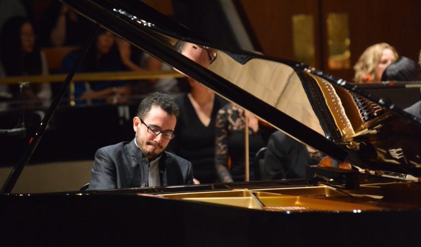 Luca Buratto at the piano