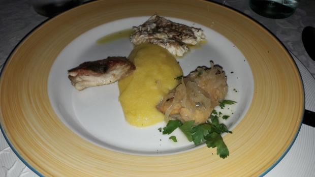 03 Lavarello in salsa di cannella e sarde; lavarello con pancetta; salmerino in saor.jpg