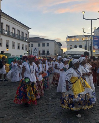 Salvador BA - 2020 street Carnival - ladies in traditional costumes of Bahia State _ credits Fernanda Gianone