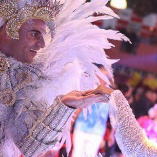 São Paulo samba parade 2020-da-Rosas-de-Ouro.-Foto-SRzd-–-Bruno-Giannelli- subject to copyrights65-800x440
